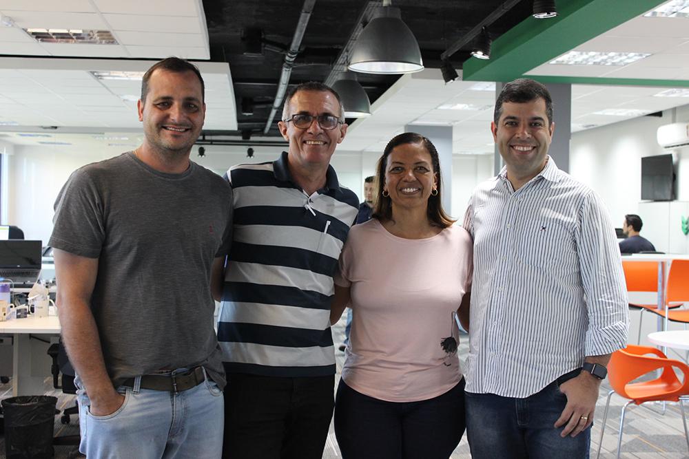 Conselheira do primeiro condomínio com portaria remota Kiper visita empresa