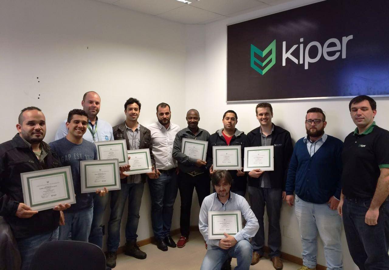 Treinamento técnico qualifica profissionais para instalar o sistema Kiper